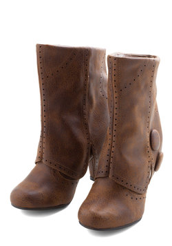 Follow in Your Footsteps Boot in Brown - Short