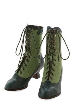 Victorian Vixen Boot