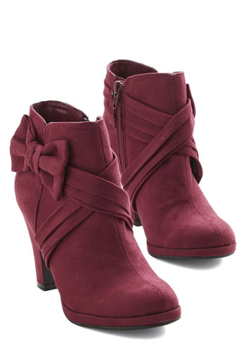 Strut the Strut Bootie in Merlot