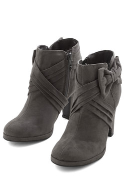 Strut the Strut Bootie in Charcoal