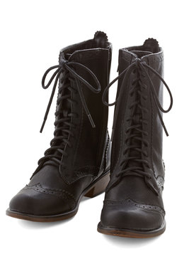 Tips for Travel Boot in Black