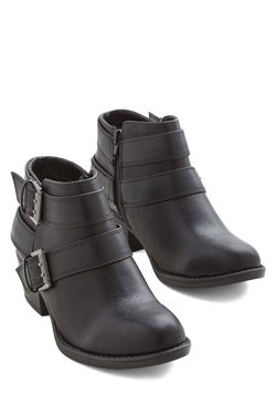 Fast Track to Fashionable Bootie