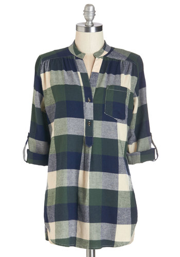 Bonfire Stories Tunic in Green Plaid