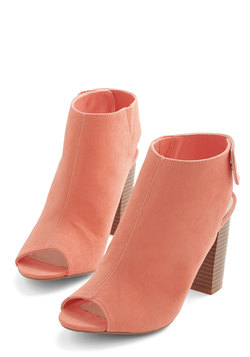 Glamour Guru Bootie in Coral