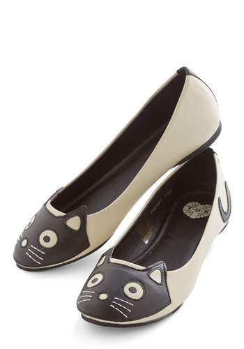 Up Your Alley Cat Flat in Ivory