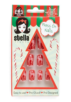 Festive Fingers Press-on Nails in Reindeer