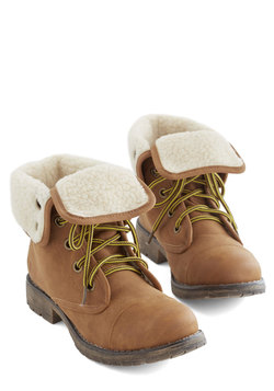 Logging Miles Boot in Cognac