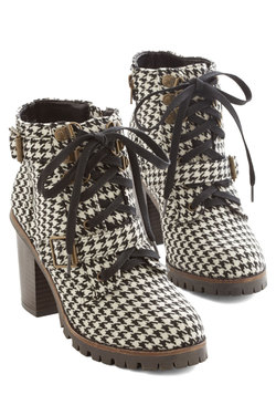 Show Me Your Houndstooth Boot