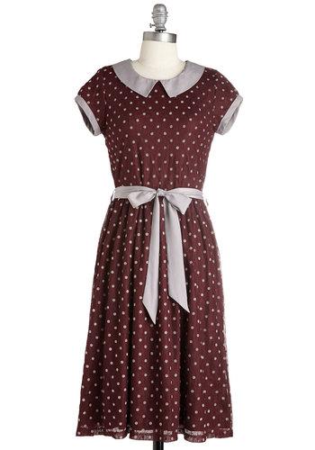 Winsome Weekend Dress in Burgundy