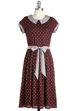 Winsome Weekend Dress in Burgundy