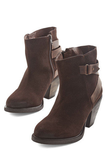 The Fact of the Flatter Bootie