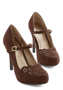 Definitive Drama Heel in Brown