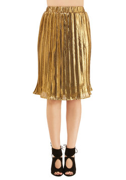 Can't Stop Me Wow Skirt in Gold