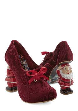 Heel Comes Santa Claus
