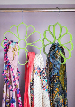 Cultivate Organization Scarf Hanger in Green