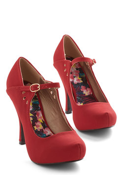 Struttin' on Stage Heel in Crimson