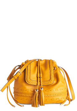 Scenic Seflie Bag in Mustard