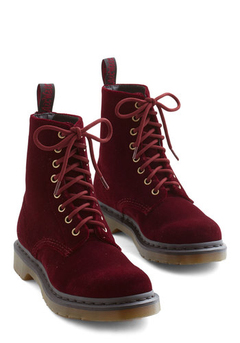 Show Off Your Strut Boot in Burgundy