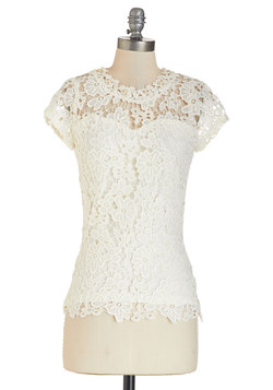 Graceful Air Top in Ivory