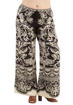 Sarasota Serenity Pants in Plus Size