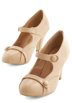 Wear Anywhere Heel in Creme