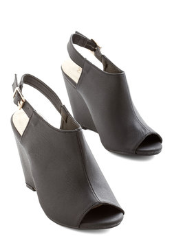 From Far and Stride Wedge in Black