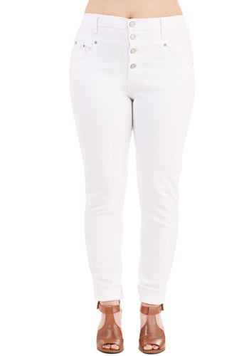 Karaoke Songstress Jeans in White - Plus Size