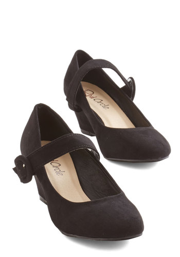 Everyday Accompaniment Wedge in Black