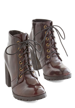 Stride and Shine Boot in Bordeaux