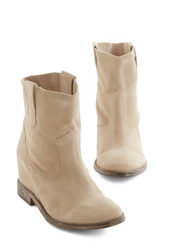 Outta Sight Boot in Oat