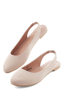 Go-To Glamour Flat in Beige