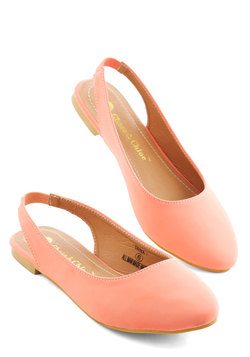 Go-To Glamour Flat in Peach