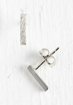 Model of Minimalism Earrings in Silver
