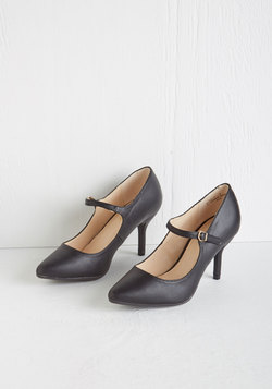 Reuniting with Friends Heel in Black