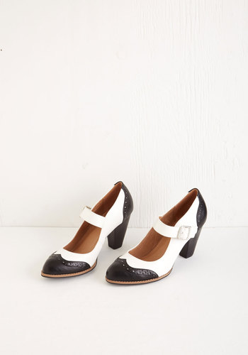 Tap of Luxury Heel in Black and White