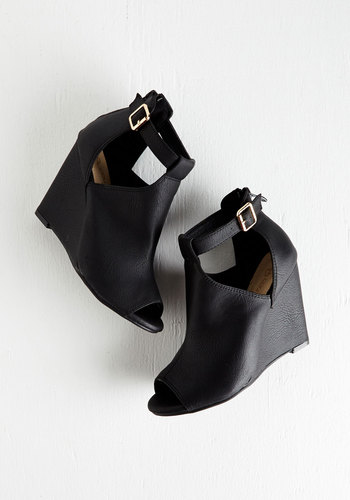 Walk and Learn Wedge in Black