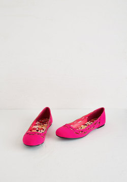 On Easy Sweet Flat in Fuchsia