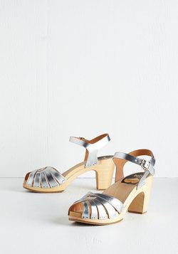 A Twist of Fete Heel