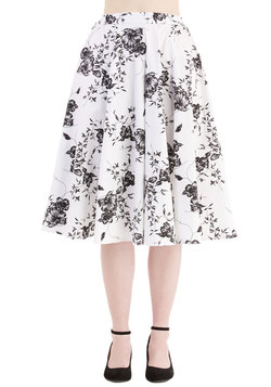 Benefit of the Flounce Skirt in White Floral