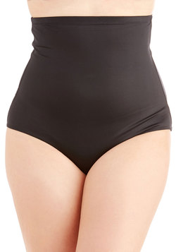 On the Smooth Contouring Undies in Plus Size