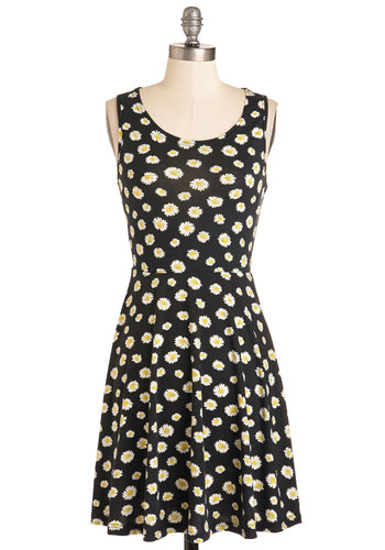 Best Things in Life are Carefree Dress - Black, White, Floral, Print, Casual, 90s, A-line, Sleeveless, Spring, Knit, Mid-length, Vintage Inspired
