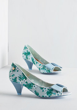Bloom at the Top Heel in Periwinkle