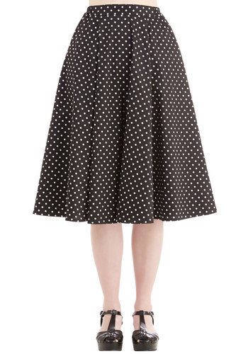 Benefit of the Flounce Skirt in Black Dots