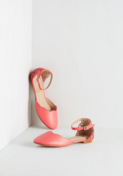 Presh Play Flat in Coral