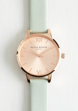 Undisputed Class Watch in Rose Gold/Mint - Petite