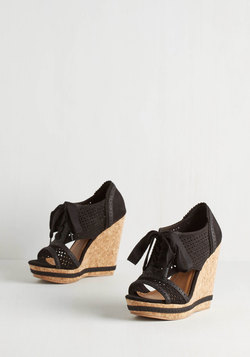 Heel the Spotlight Wedge