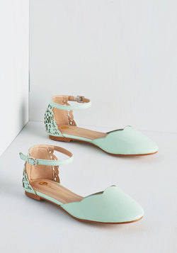 Presh Play Flat in Mint