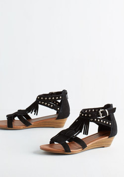 Wander-ful Weekend Sandal
