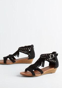 Wander-ful Weekend Sandal