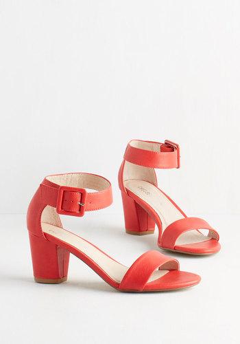 Sidewalk Strut Heel in Scarlet